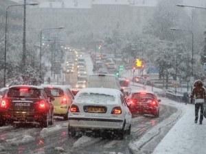 Сняг и поледици сковаха Югоизточна Франция