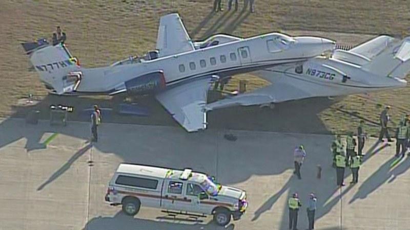 Два самолета се сблъскаха на международно летище