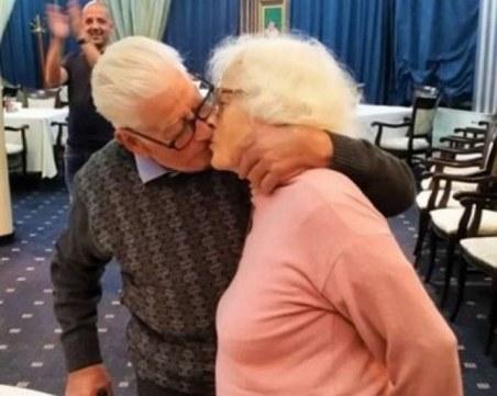 Живко и Иванка от Бургас пак младоженци след 60 години заедно