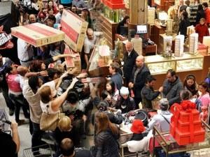 Американците ще похарчат по 825 долара за подаръци