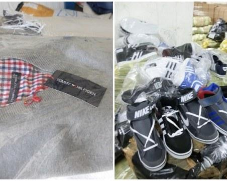 Над 11 хиляди дрехи имитиращи известни марки задържаха на границата