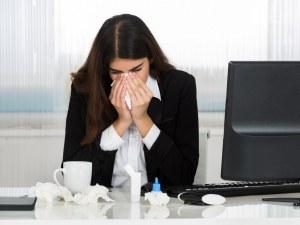 Какво се случва в тялото, когато отидете на работа болни?