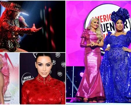 Розов килим и Ким Кардашиян в рокля на Диор на американските награди за инфлуенсъри