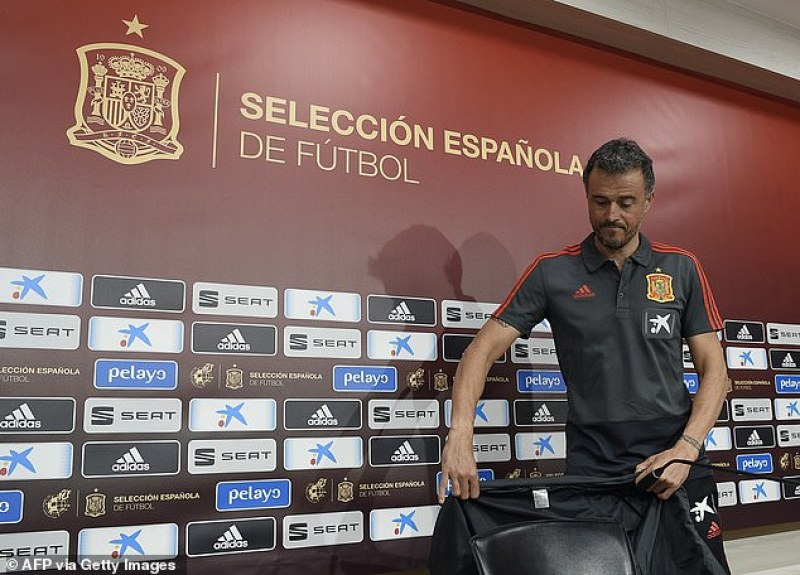 Луис Енрике се завърна начело на Испания, скандал беляза смяната
