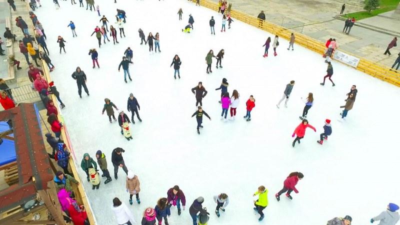 Отварят най-голямата ледена пързалка в Пловдив над