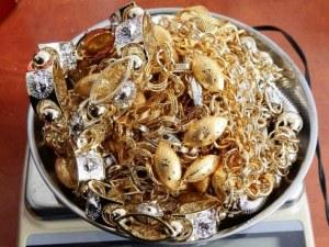 Държавата пусна на търг над 20 килограма златни и сребърни накити