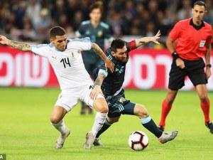 Меси с невероятен дрибъл и лют скандал с Кавани на мача с Уругвай