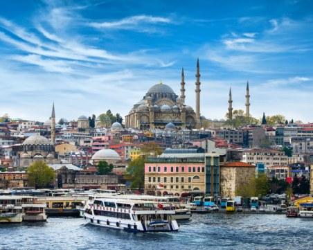 Турция готви нов данък за туристите, нощувките поскъпват
