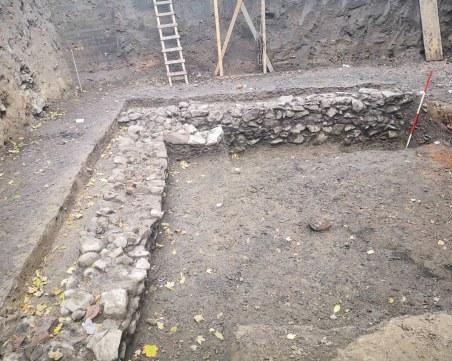 Тяло на мъж, жертва на готските нападения, е открито в частен имот в центъра на Пловдив