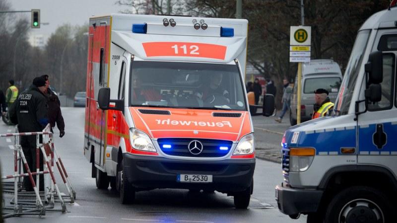 Автобус се вряза в спирка в Германия, 21 души пострадах