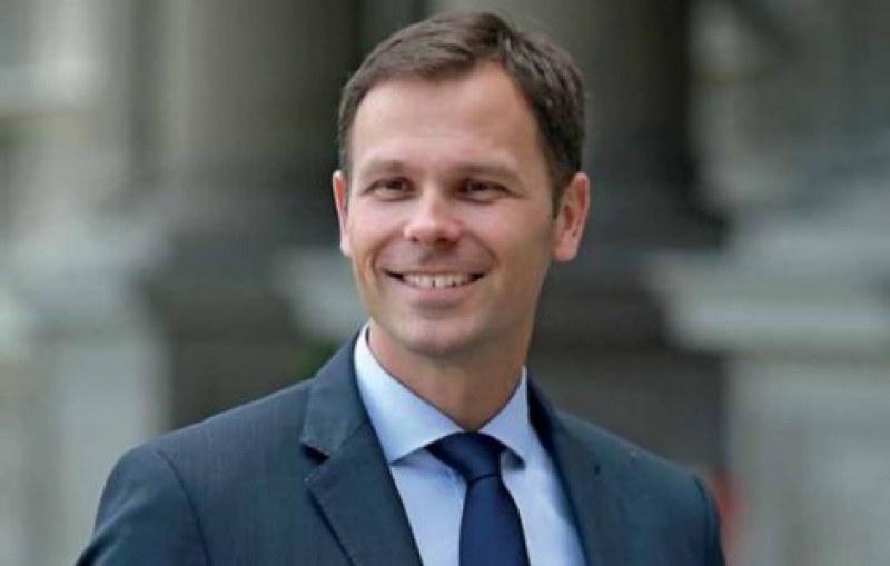 Отнеха дипломата на финансовия министър в Сърбия заради плагиатство