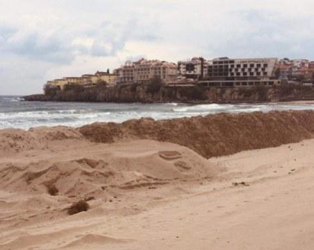 Глобяват със 7 бона концесионера, направил дига на плаж в Созопол