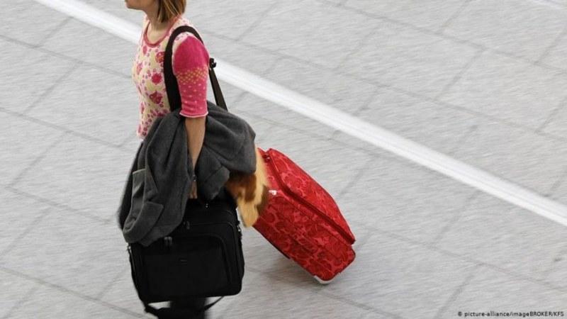 Хиляди германци емигрират всяка година - защо и къде?