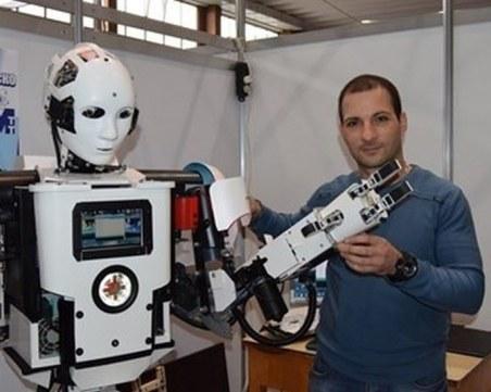 Шуменец създаде Роки - първия в България хуманоиден робот