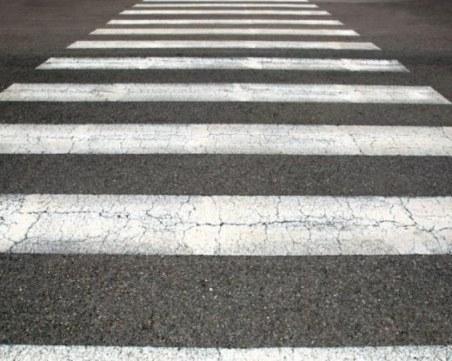 Шофьор блъсна дете на пешеходна пътека и опита да избяга
