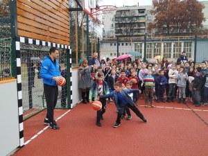 Академик Бултекс 99 се включи в откриването на нова баскетболна площадка