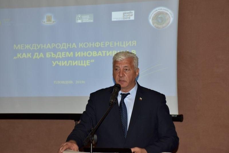 Здравко Димитров: Работим за подобряване на условията в училищата