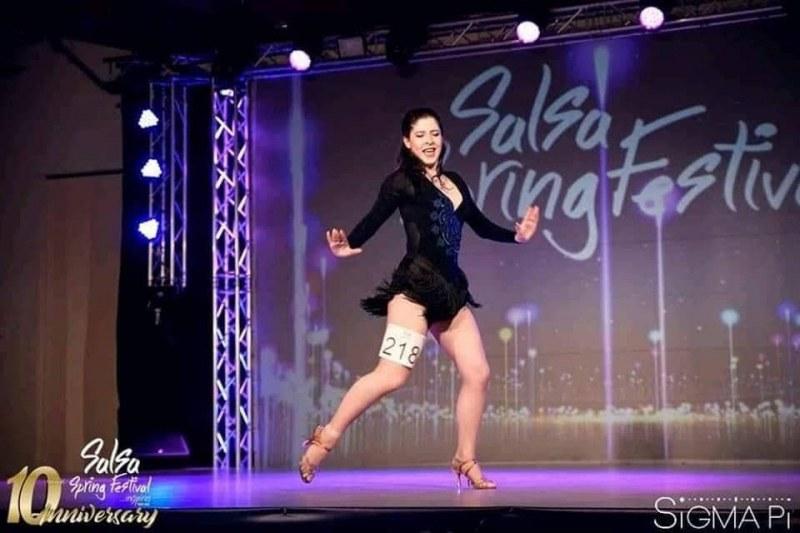 17-годишна пловдивчанка ще се бори за купата по латино танци в Колумбия