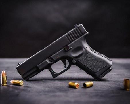 Пиян размаха пистолет в поликлиника в Бургас, арестуваха го