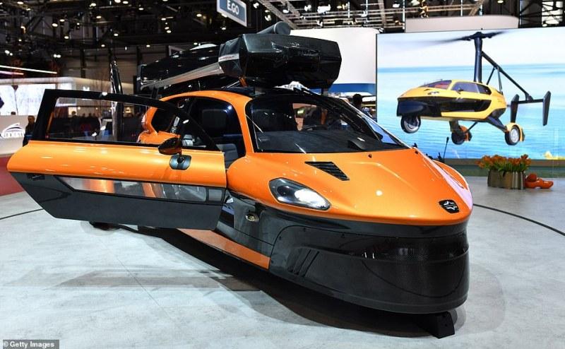 Пускат в продажба първата летяща и наземна кола в света! Вижте как изглежда