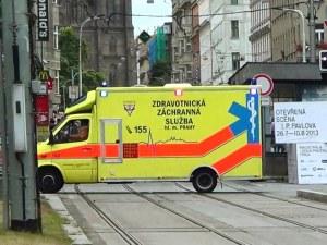 Два автобуса се блъснаха в Прага, 30 души са пострадали