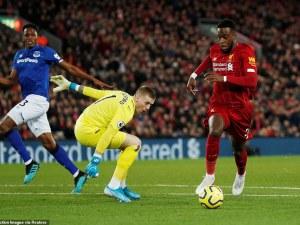 Ливърпул попиля Евертън, Юнайтед вгорчи завръщането на Моуриньо
