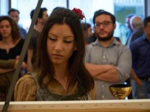 Пловдивчанка омагьосва с уникален спектакъл в Малката базилика