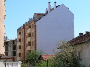 Строители предлагат застрояване на калканите на блоковете