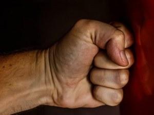 Син пияница пребива и плаши със смърт родителите си в Пловдивско