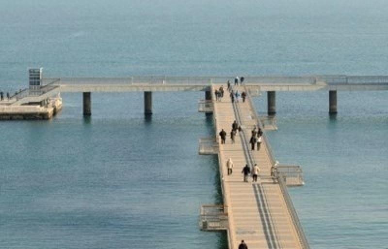 Тяло на мъж изплува от морето в Бургас