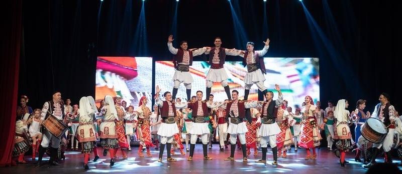 Грандиозен спектакъл в Пловдив: 150 артисти танцуват и пеят в