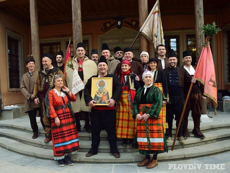 Занаятчии с празнично шествие в Пловдив