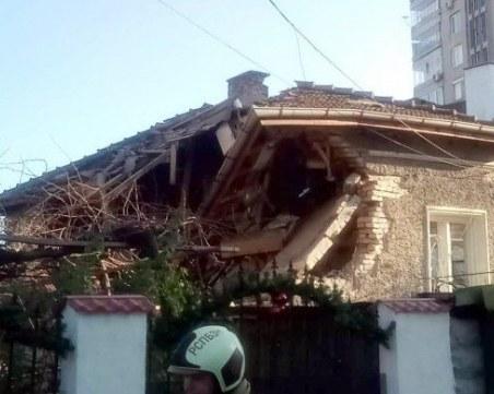Взрив на бойлер срути част от къща в Шумен