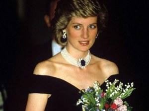 Британец купи рокля на принцеса Даяна за 220 000 лири