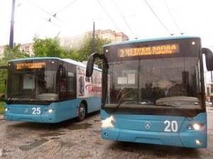 Нерви на пътя: Младеж строши чистачките на тролей в Пазарджик – движил се бавно