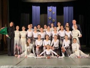 Малки и големи таланти препълниха Военния клуб в Пловдив