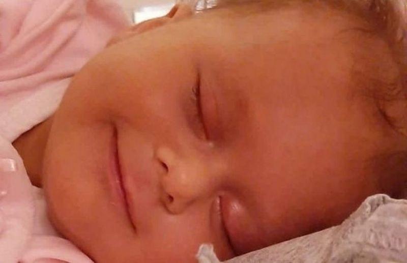 Да помогнем! Родителите на бебе Мартина имат само седмица, за да й дадат шанс да оздравее