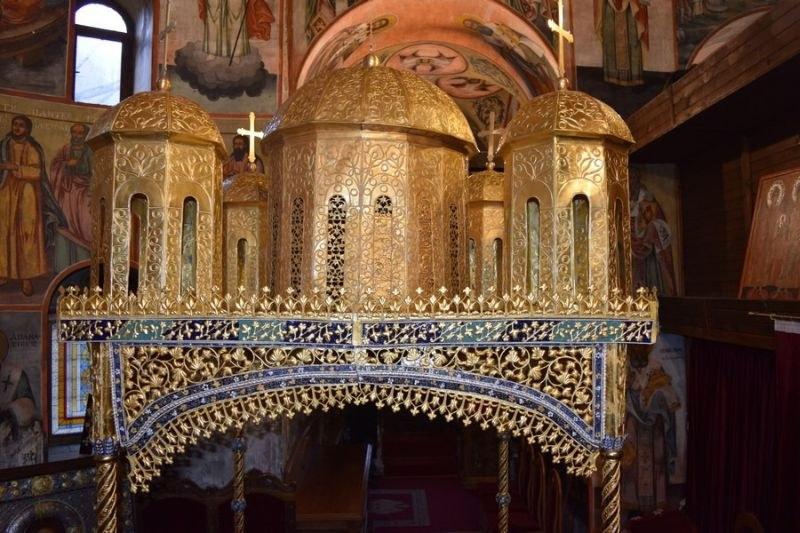 Столичен златар възстанови 4-вековен олтарен балдахин в Бачковския манастир