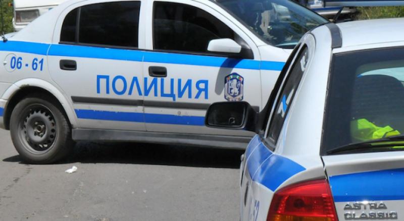 Жесток удар между тир и бус, шофьор загина