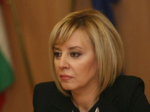 Мая Манолова иска президентско вето
