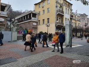 Предпразнично оживление в центъра на Пловдив