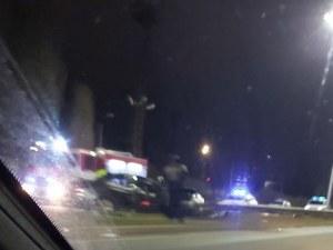 Тежка катастрофа на един от изходите на Пловдив, БМВ посече мантинелата
