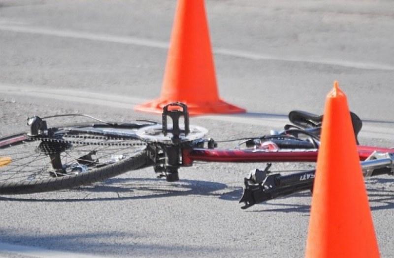 Цистерна блъсна и уби велосипедист