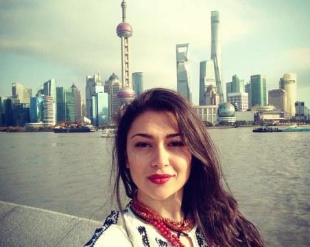 Красивата родопчанка Николая обра овациите в Китай