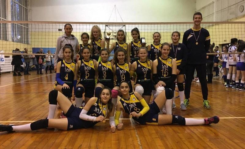 Малките маричанки втори на коледен турнир в София