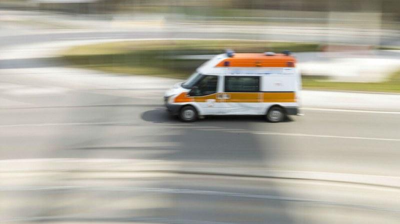 Детето, блъснато от две коли, е в стабилно състояние