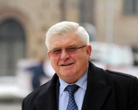 Министър Ананиев с новини за пациентите от Перник, приети със симптоми на ешерихия коли