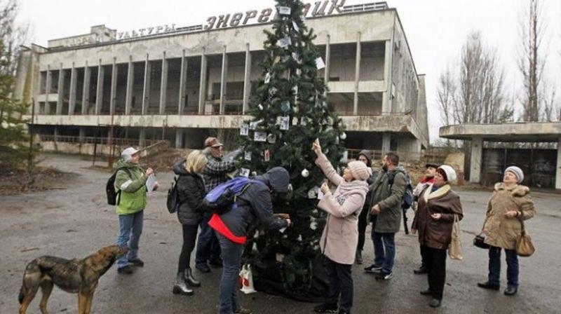 Украсиха коледна елха в Припят за първи път след аварията в Чернобил