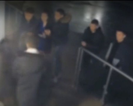 Група младежи разбиха и ограбиха обществена тоалетна