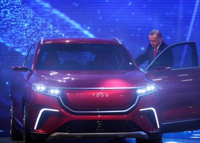 Ердоган показа първия турски електромобил